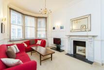 2 bedroom Flat in Berkeley Street, Mayfair...