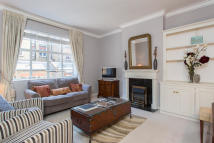 Apartment to rent in Reeves Mews, Mayfair...
