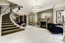 4 bedroom Terraced property in Curzon Street, London...