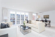 property to rent in Reeves Mews, London, W1K