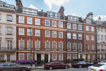 3 bedroom Penthouse in Green Street, London, W1K