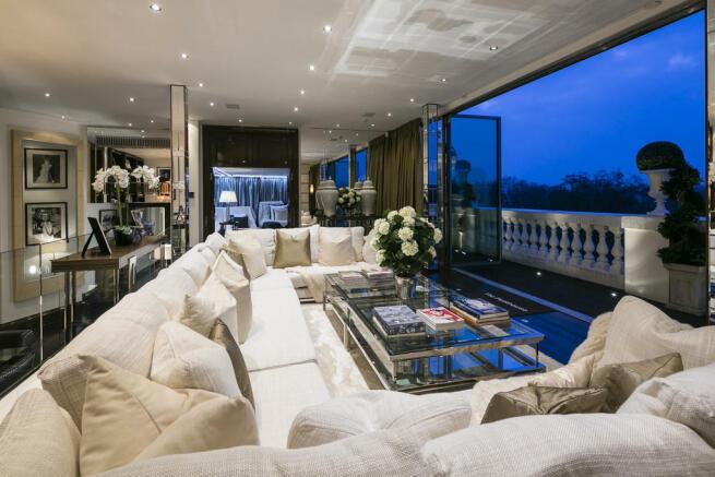 6 Bedroom Flat For Sale In Wellington Court Knightsbridge