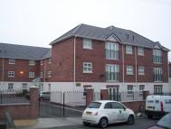 2 bed Flat to rent in Osborne Road, Prenton...