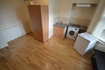 Studio flat to rent in Eynham Road, London, W12
