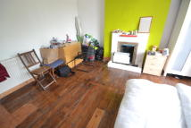 House Share in Bramley Road, London, W10