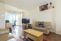 2 bedroom Flat in Fishguard Way, London...
