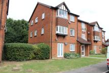 2 bed Flat in Rabournmead Drive...