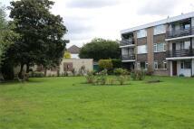 2 bedroom Flat in Eastcote Lane, Northolt...