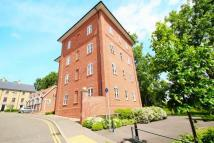 2 bed Apartment to rent in Groves Close...