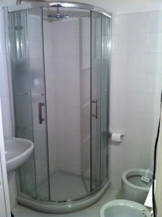 Shower & Toilet