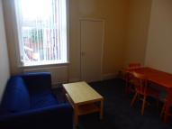 3 bedroom Flat in Heaton Road...