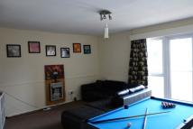 Flat to rent in Marlow Drive...