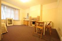 Ground Flat to rent in FINCHLEY ROAD, London...