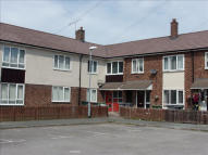 Flat to rent in Raleigh Road...