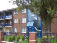 2 bed Flat in Twickenham Drive, CH46