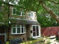 3 bed End of Terrace property in Thorpe Close...