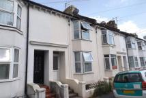 Maisonette to rent in Location is the key