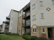 2 bed Flat to rent in Enstone Road, Enfield...
