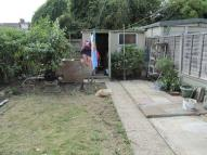 3 bed property to rent in Crest Drive, Enfield...