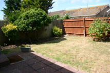 Bungalow to rent in Peacehaven