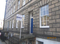 Flat to rent in HAMILTON PLACE...