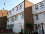 4 bedroom Town House to rent in St Helens Road, Erith