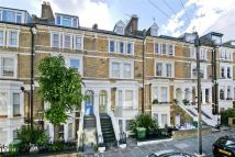 Flat to rent in Montpelier Grove, London...
