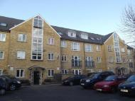 3 bedroom Flat in St Mary's Court...