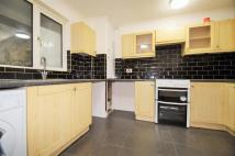 3 bed house to rent in Park Place, Gravesend