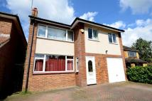 4 bedroom Detached house in Brookside Road...