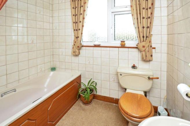 Bathroom GF