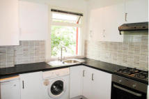 Flat to rent in Riffel Road...