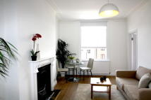2 bed Flat in FLAT B, Junction Road...