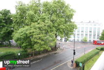 4 bedroom Flat in Harrington Square...