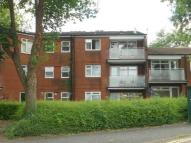 Flat to rent in Bronllys Place...