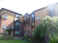Flat to rent in Ebbw Court, Crosskeys...