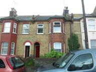 Flat to rent in Westbury Road...