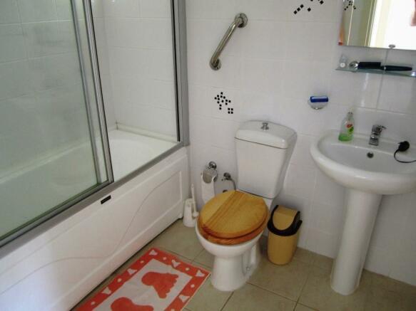 Familiy bathroom