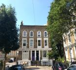 2 bed Duplex in Wallace Road, London, N1