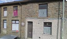 2 bedroom Flat to rent in East Road, Tylorstown...