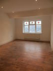 Studio apartment to rent in Leaver Gardens...