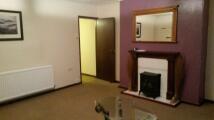 2 bed Flat to rent in Denton's Green Lane...