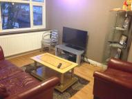 Flat to rent in NEWBURY AVENUE, Enfield...