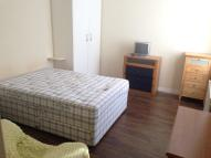 2 bedroom Ground Flat to rent in OAKLEIGH ROAD NORTH...