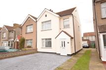 3 bed semi detached property in Monkton Road, Welling...