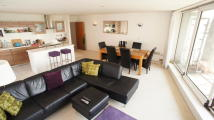 3 bedroom Apartment in Western Gateway, London...