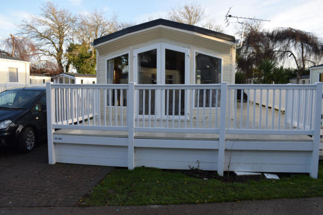 2 bedroom mobile home for sale in monkton ramsgate ct12 4jg ct12