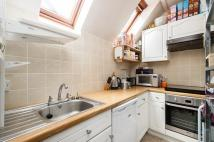 2 bed Maisonette to rent in Kennington Road...