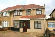 5 bed semi detached house in SOUTHALL