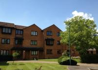 1 bed Flat to rent in Knaves Hollow...